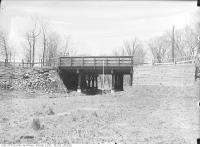 Historic photo from Thursday, April 15, 1915 - Lytton Boulevard Bridge and Alexandra Boulevard looking north in Lytton Park