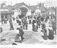 Historic photo from 1908 - People gathering at the Dufferin Gates, CNE in CNE