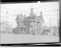 Historic photo from 1915 - Dr. Henry H. Moorhouse house at Dundas and Spadina in Chinatown (Spadina Ave)