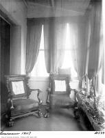 Historic photo from 1911 - Sunroom in the Queens Hotel in Financial District