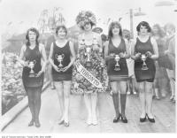 Historic photo from 1926 - First Miss Toronto beauty contest, Sunnyside beach Jean Ford Tolmie (middle) was the winner in Sunnyside Park