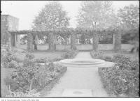 Historic photo from 1910 - Garden at Benvenuto with path and fountain in South Hill