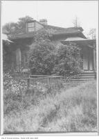 Historic photo from 1910 - Side of Gwynne Estate house on Dufferin Street in Parkdale