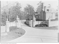 Historic photo from 1912 - Lodge on Spadina at AustinTerrace, entrance to Ardwold in Casa Loma