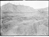Historic photo from 1908 - Bare hillside and machines during excavation in Don Valley Brickworks