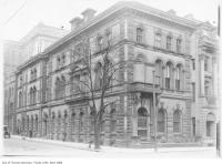 Historic photo from 1909 - Ontario Bank, 34 Wellington Street East at Scott Street in St. Lawrence