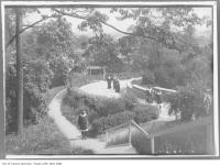 Historic photo from 1910 - Women on the paths and steps of the garden at Benvenuto in South Hill