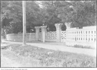 Historic photo from 1911 - Wooden fence at Yonge St at MacGurvies property in Davisville Village