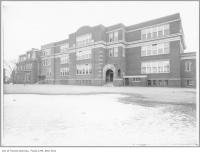 Historic photo from 1920 - Clinton Street School in the winter in Bickford Park