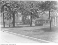 Historic photo from 1940 - University of Toronto greenhouse - moved to Allan Gardens in University of Toronto (U of T)