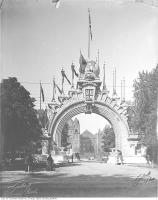 Historic photo from Thursday, October 10, 1901 - Manufacturer's Arch, University Avenue, looking north : erected for the visit of Duke and Duchess of Cornwall and York in Queens Park