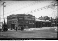 Historic photo from Wednesday, February 27, 1924 - Southwest corner Yonge and Roxborough - Gas Station in Summerhill