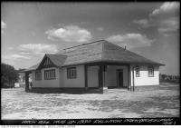 Historic photo from Tuesday, August 12, 1930 - Eglinton Park (Roselawn Avenue) Shelter in North Toronto