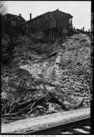 Historic photo from Wednesday, January 3, 1940 - Landslide into Don Ravine at 10-14 Eastmount Avenue in Playter Estates