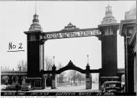 Historic photo from Friday, December 11, 1942 - No centre piece in the Dufferin Gates, Exhibition Park C. N. E. in CNE