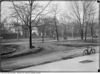 Historic photo from Tuesday, November 11, 1913 - West side University Avenue opposite Armouries in University Avenue