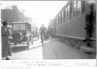 Historic photo from Saturday, November 22, 1924 - Spadina and Dundas, showing loading, without safety boulevard in Chinatown (Spadina Ave)