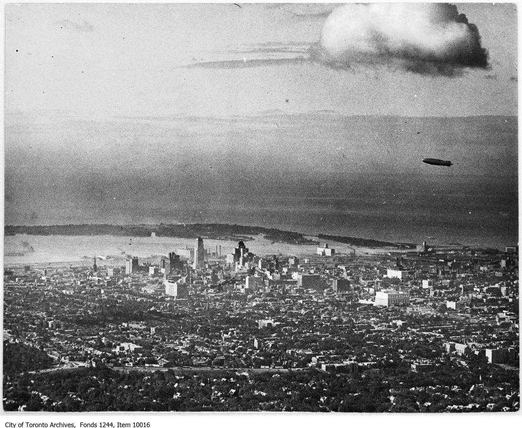 Item 10016 - R101 dirigible over downtown Toronto - 1930