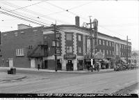 Historic photo from Wednesday, November 29, 1933 - Capitol Threatre building complete, with sign in North Toronto
