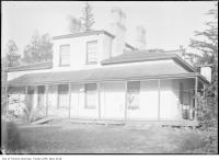Historic photo from 1910 - Castlefield, the home of Captain James Hervey Price, first city Clerk home in North Toronto